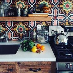 Hot dang these are some pretty tiles! Keep on posting…we'll keep on sharing! by thejungalow Hot dang these are some pretty tiles! Keep on posting…we'll keep on sharing! by thejungalow Boho Kitchen, Kitchen Styling, Kitchen Dining, Spanish Kitchen Decor, Kitchen Ideas, Country Kitchen, Dining Room, Classic Kitchen, Casas Containers