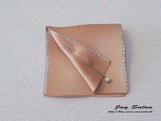 15232106_1304988239521675_4977279957289315601_n Card Case, Baby Shower, Wallet, Cards, Diy, Wreath Ideas, Ideas Para, Education, Diy Kid Jewelry