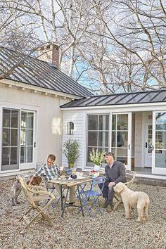 Ideas Farmhouse Remodel Exterior Garage For 2019 Building A Porch, Garage Remodel, Exterior Remodel, Farmhouse Remodel, Farmhouse Renovation, Old Farm Houses, House With Porch, Breezeway, Home Renovation