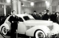 1936 Chicago Auto Show attendees were among the first to view the sensational front-wheel drive Cord 810. #auto #cars #CAS13