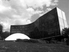 Um ano sem Oscar Niemeyer