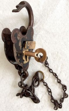 RARE WILLIAM WILCOX ANTIQUE LOCK VINTAGE SMOKEHOUSE PADLOCK