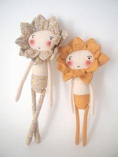 Huey Ling - Pocoleizi No diy Doll Crafts, Diy Doll, Fabric Toys, Fabric Crafts, Little Presents, Sewing Dolls, Toy Craft, Soft Dolls, Soft Sculpture