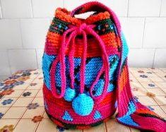 Toda crocheteira tem uma infinidade de sobras de linha e nem sempre sabe como aproveitar. Eu sempre busco na internet ideias inspiradoras.  ...