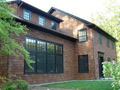 wood shingles with dark trim Cedar Shingle Siding, Cedar Shingles, House Siding, Craftsman Exterior, Exterior Siding, Exterior Paint, Exterior Color Schemes, Exterior House Colors, Shingle Colors