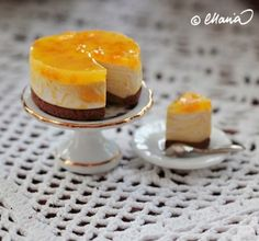how to: cheesecake.  uses a two part mold to get cake shape.