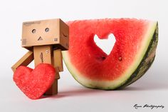 Danbo - Love is a fruit in season at all times, and within reach of every hand. Danbo, Miss Piggy, Cardboard Robot, Box Robot, Amazon Box, Robots Characters, Boys Wallpaper, Cute Box, Fruit In Season