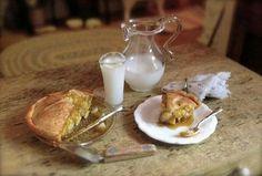miniature applie pie