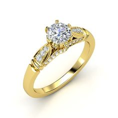 The Elizabeth Ring customized in diamond and yellow gold.