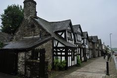 Discover the world through photos. Building Architecture, Cymru, Where The Heart Is, 17th Century, Tudor, Buildings, Houses, English, World