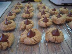 peanut butter hershey kiss cookies