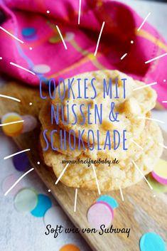Cookies Rezept weich - die Kekse mit weißer Schokolade und Macadamianüssen sind perfekt- Innendrin weich und soft und außen knusprig. Genau wie die Subway Cookies, die man dort kaufen kann.  #cookies #subway