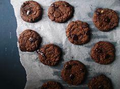 Molasses (and chocolate chip) cookie recipe. Chocolate Chunk Cookie Recipe, Chip Cookie Recipe, Cookie Recipes, Fudge, Chips, Faith, Vegan, Desserts, Easy