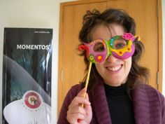 [Papel mache] Máscara | Flickr - Photo Sharing! Round Sunglasses, Paper, Art, Carnival, Paper Mache, Objects, Paper Envelopes, Art Background, Kunst