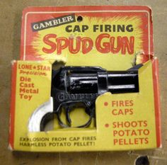 I picked up an interesting spud gun at a junk store last year and finally got a chance to try it out. The gun uses caps to accelerate a small chunk of potatoe. 1970s Childhood, My Childhood Memories, Childhood Toys, Retro Toys, Vintage Toys 1960s, Kids Tv, Ol Days, Classic Tv, My Memory