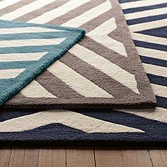 Chevron rug - I'll take one in grey, please.