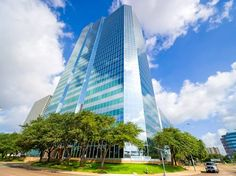 Executive Office Space: Greenway – Houston, TX - 3200 Southwest Freeway, Houston,  Texas,  77027 - http://executiveofficespaceforyou.com/locations/executive-office-space-locations-in-texas/executive-office-space-in-houston-tx/executive-office-space-greenway-houston-tx/