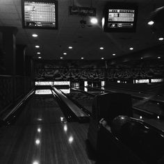 #bowling #saturday #mik #friends #ikozosseg #bnw #bnw_life #bnw_europe #vsco #vscocam #vscohun #vsco_hub #vscohungary #instabnw #instalike #instapic #instahun #instagood #instaphoto #black #blackwhite #blacknwhite #blackandwhite #instagram by krisztiiiina