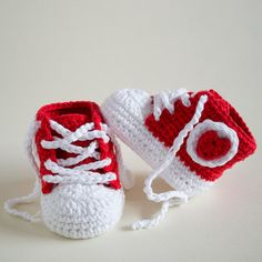 Crochet Baby Booties Fancy Baby pattern by Croby Patterns
