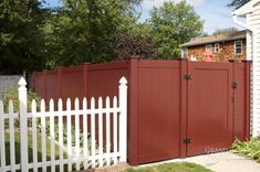Amazing images of PVC Vinyl Fence Panels, Gates, and Sections from Illusions Vinyl Fence. If you're looking for a new fence, you have to see these photos. Vinyl Deck, Vinyl Railing, Wood Vinyl, Pvc Vinyl, Vinyl Fence Panels, Privacy Fence Panels, Painted Wood Fence, Wooden Fence, Tongue And Groove Panelling
