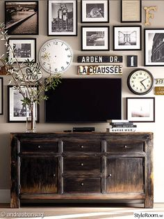 Create photos on canvas and photos on wood wall gallery collages. Mix it up; clocks, street signs, typography for stunning wall gallery. My Living Room, Home And Living, Living Room Decor, Dining Room, Small Living, Modern Living, Tv Wall Ideas Living Room, Decor Room, Room Decorations