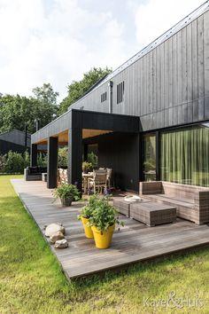 Buiten veranda Garage Doors, Outdoor Decor, Inspiration, Home Decor, Biblical Inspiration, Decoration Home, Room Decor, Home Interior Design, Carriage Doors