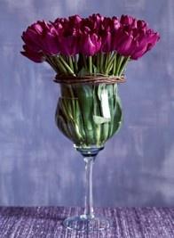 Stunning and Easy DIY Tulip Arrangement Ideas - ♥️ Ideen Wohnung - Arranjos My Flower, Fresh Flowers, Beautiful Flowers, Flowers Vase, Flower Center, Cut Flowers, Simply Beautiful, Arrangements Ikebana, Floral Arrangements