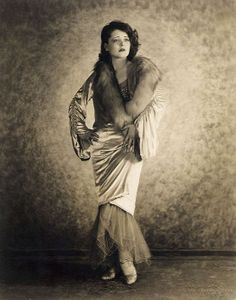 girls from the 1920s | 1920s-clara_bow.jpg