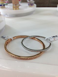 We love these matching bangles for mothers and daughters! Gorgeous and very special gifts! #lucido #jewelry #accessories #bangles #womens #fashion