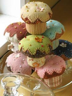 Cupcake plushies #cupcake #craft #handmade #plush #felt #sew by beryl
