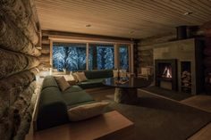 Lapland Senses is a lodge set in Äkäslompolo, km from Perhe. Guests benefit from terrace and a terrace. Free WiFi is available . Luxury Log Cabins, Living Room Modern, Living Rooms, Free Wifi, Terrace, Cottage, Koti, Couch, Benefit