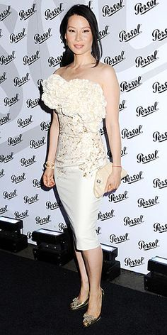 Who made Lucy Liu's white strapless dress?