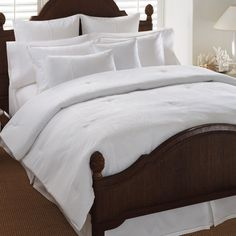 I like this bedding, it would be great with turquoise accent pillows