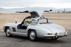 Classic Sports Cars, Classic Cars, Ferrari California, Mercedes Benz 300, Jaguar E Type, Girls Club, Fuel Injection, Car Show, Sport Cars