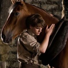 Jeremy Irvine in War Horse.... *_*