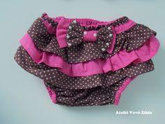 Kit com calcinha bunda rica e tiara, feitos em tecido tricoline 100% algodão. Com laço decorado com pérolas.