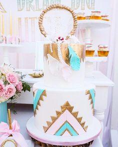 You will love this dreamy bohemian backyard birthday party. Coachella Birthday, Bohemian Birthday Party, Wild One Birthday Party, Bohemian Cake, Bohemian Party, Bohemian Style, 15th Birthday Cakes, Birthday Cakes For Teens, Birthday Ideas