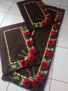 ideas crochet coasters flower blankets for 2019 Afghan Crochet Patterns, Crochet Squares, Crochet Doilies, Crochet Flowers, Crochet Kitchen, Crochet Home, Crochet Symbols, Crochet Table Runner, Halloween Crochet