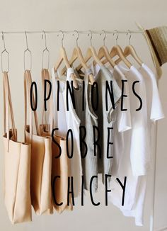 OPINIONES SOBRE CHICFY 6 Junio, 2016 Llevo ya un tiempo vendiendo online y quería compartir algunas opiniones sobre Chicfy para orientar a posibles compradoras y vendedoras que estén descubriendo este mundillo de la venta online, ya que, cuando yo empecé a utilizarlas, no había muchos artículos escritos sobre este tema y tuve que aprender prácticamente todo por mi cuenta. Hace unos… Vender Online, Clothes Hanger, Ebay, What To Sell, Minimalist, Coat Hanger, Clothes Hangers, Clothes Racks