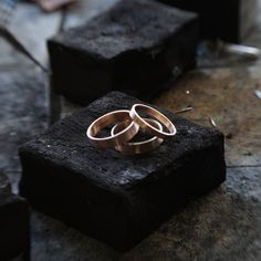 Working on a few different colours of 9ct Gold today whats your favourite? white yellow or red? I do quite like the traditional yellow #behindthescenes #wip #weddingrings #handmadejewellery #differencemakesus #weddingbands #etsy #noths #cavetsy