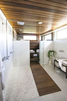 Moderne Sauna Design Ideen Bilder Decoration Craft Gallery Ideas] Related Incredible Small Bathroom Remodel Beautiful little kitchen decorating ideas - decoration solution - Inspiration Bathroom Mirror Ideas With Perfect Design Spa Rooms, New Homes, Bathroom Interior, Modern Saunas, Bathrooms Remodel, Home, Wood Tile Shower, Bathroom Design, Wood Bathroom