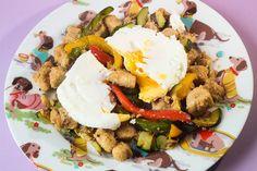 Rach Eats Lunch: Easy Veggie Scramble Salad
