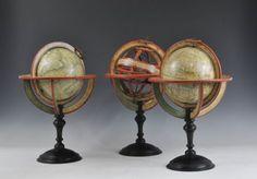 Ensemble de globes et sphère armillaire signé Delamarche - Globes et sphères armillaires - Antiquité Delalande