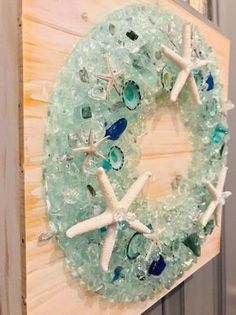 Seashell Art, Seashell Crafts, Beach Crafts, Seashell Wreath, Sea Glass Crafts, Resin Crafts, Diy Crafts, Broken Glass Crafts, Coastal Christmas