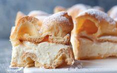 Ingredience 250 ml vody125 g másla180 g mouky5 vajecšpetka soli25 g moučkového cukru na posypání500 ml mléka200 g másla50 g mouky50 g škrobu150 g cukru15 g vanilkového cukru Postup přípravy Suroviny na krém 500 ml mléka200 g másla50 g Perfect Food, Eclairs, Apple Pie, Sweet Recipes, Camembert Cheese, Mashed Potatoes, French Toast, Brunch, Food And Drink