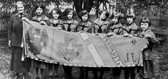 A new biography tells the story of Juliette Gordon Low, founder of the Girl Scouts