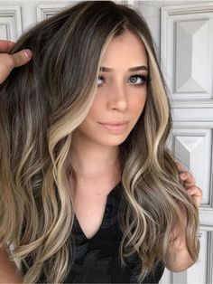 Brown Hair With Blonde Highlights, Brown Hair Balayage, Balayage Brunette, Hair Color Balayage, Hair Highlights, Highlights Around Face, Face Frame Highlights, Balyage Long Hair, Brunette Hair Color With Highlights
