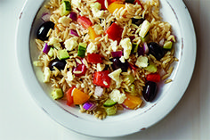 Orzo Pasta Salad Salad Bar, Soup And Salad, Pasta Salad, Orzo Pasta Recipes, Salad Recipes, Ontario, Valeur Nutritive, Nutrition, Dressing