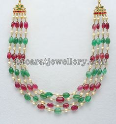 Latest Collection of best Indian Jewellery Designs. Mughal Jewelry, Emerald Jewelry, Bead Jewellery, Pearl Jewelry, Indian Jewelry, Jewellery Designs, Beaded Jewelry, Jewelery, Beaded Necklace