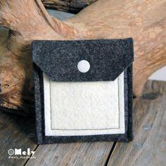 Piccolo portamonete/portatutto da borsa in feltro grigio scuro e taschina in feltro crema di MelyHandmade su Etsy